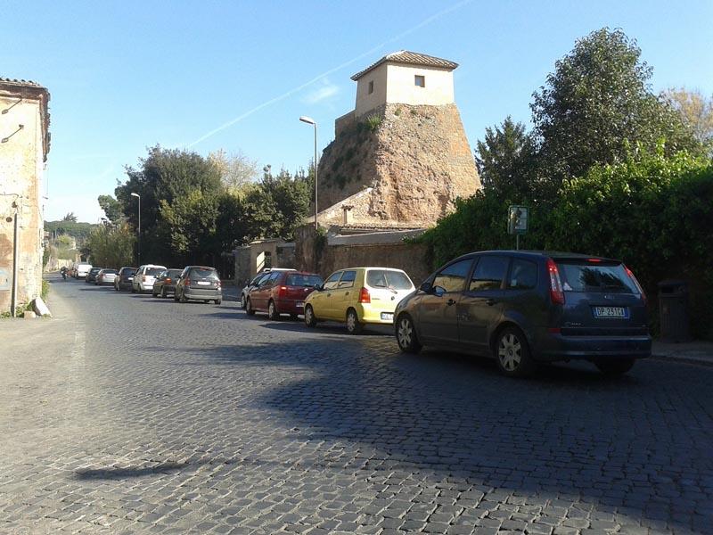 L'Appia Antica abbandonata a se stessa