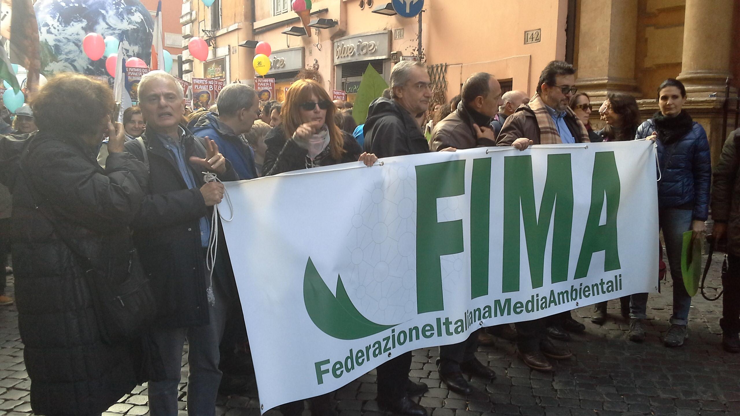 Giornalisti e comunicatori in marcia per il clima